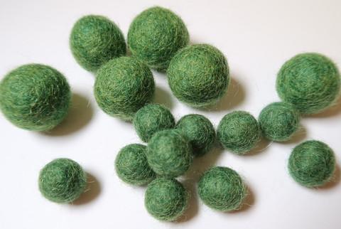 Huovutettu helmi vihreä n. 10 mm (5 kpl/pss)