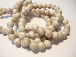 Lasihelmi glaseerattu kiiltävä valkoinen-vaalea taupe (beige) 8 mm (20 kpl/pss)