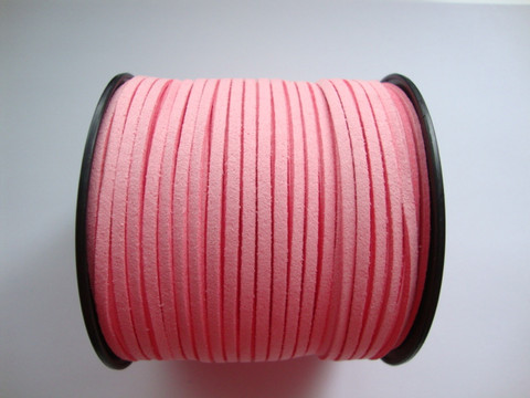 Mokkanauha (faux suede) vaaleanpunainen 3 x 1,4 mm (m-erä 5 m)