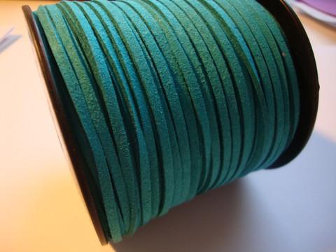 Mokkanauha (faux suede) tumma turkoosi/turkoosinvihreä 3 x 1,4 mm (m-erä 5 m)