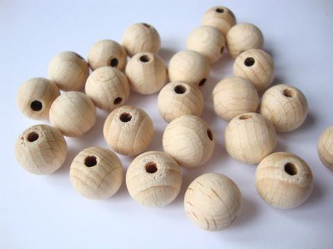 A Rayher käsittelemätön puuhelmi / puupallo 30 mm, reikä 4 mm (2 kpl/pss)