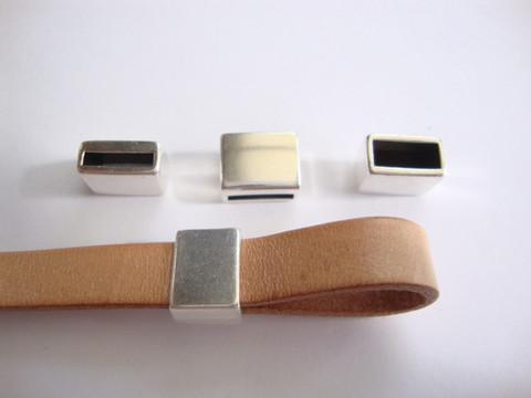 Metallihelmi/hela (slider) sileä 12 x 9 x 7 mm10 mm nahkanauhalle (2 kpl/pss)