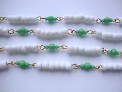 Vintage helmi 6-valkoista/3 vihreä n. 3 - 4 mm