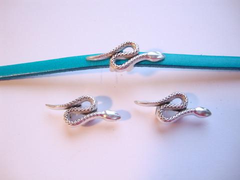 Metallihelmi/hela (slider) Käärme 26 x 10 mm 5 mm nahkanauhalle