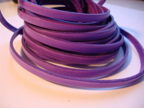 Nahkanauha litteä vaalea violetti 5 x 2 mm sileä nappanahka (m-erä 20 cm)