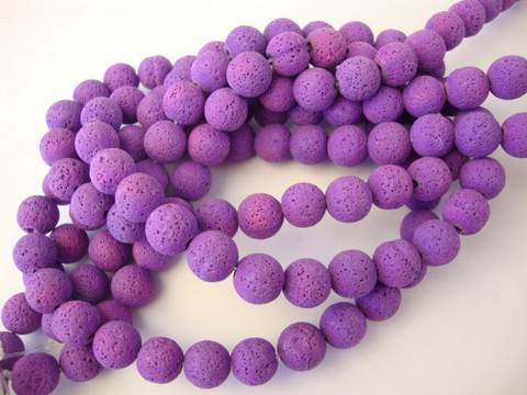 Kivihelmi Laavakivi violetti pyöreä 8 mm (n. 48 kpl/nauha)