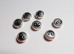 TierraCast metallihelmi Yin Yang hopeoitu 7,5 mm (2 kpl/pss)