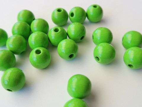 Rayher Puuhelmi neon vihreä 8 mm (82 kpl/pss)