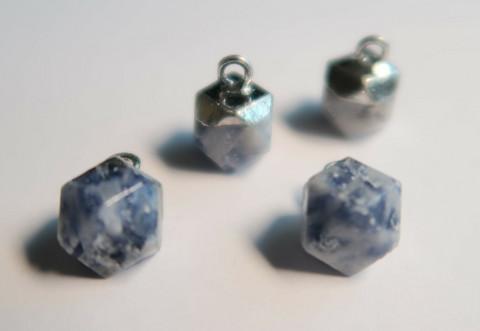 Kivihelmiriipus sininen-hopea kahdeksankulmio 12 x 11 mm