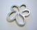 Korulinkki / riipus Kukka hopean värinen 44 x 36 mm