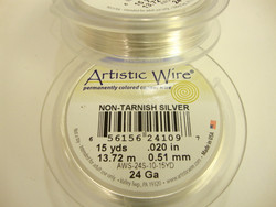 Beadalon Artistic Wire -metallilanka tummumaton hopeoitu 24 gauge = 0,51 mm (kela 13,7 m)