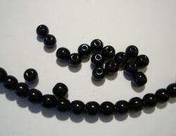Tsekkiläinen lasihelmi opaakki musta pyöreä 4 mm (50 kpl/pss)