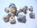 Rayher Puuhelmi Timantti vaalea harmaa 15 - 20 mm (12 kpl/pss)