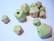 Rayher Puuhelmi Timantti keväänvihreä 15 - 20 mm (12 kpl/pss)