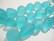 Huurrelasihelmi vaalea veden sininen nuggetti 10 - 15 mm (7 kpl/nauha)