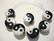 Posliinihelmi mustavalkoinen kiinalainen Yin ja Yang 15 mm (2/pss)