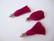 Tasselitupsu fuksianpunainen hopeoidulla ripustuslenkillä n. 34 mm (2 kpl/pss)