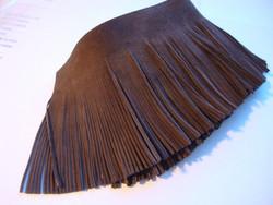 Nahkanauha/mokkanauha hapsutettu tummanruskea 70 mm (m-erä 2 cm)