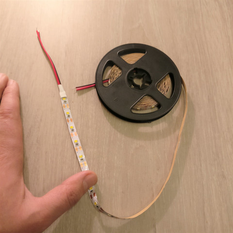 LED-nauha 5V 5m lämmin valkoinen
