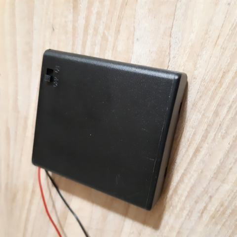 Paristokotelo ON / OFF kytkimellä 4 x AA 6 V
