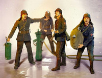 WWII German Firemen (4 fig.) 1/35
