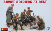 Soviet soldiers at rest 1/35