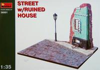 Street w/Ruined House 1/35