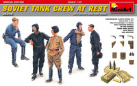 Soviet Tank Crew at Rest (Special Edition) 1/35