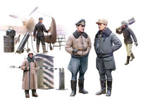 Luftwaffe Pilots and Ground Personnel in Winter Uniform (5 fig.) 1/48