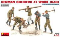 German Soldiers at Work 1/35