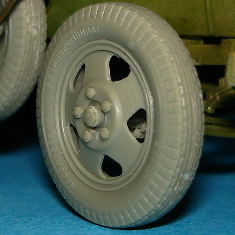 Wheels for GAZ-AAA & BA Armoured Cars 1/35