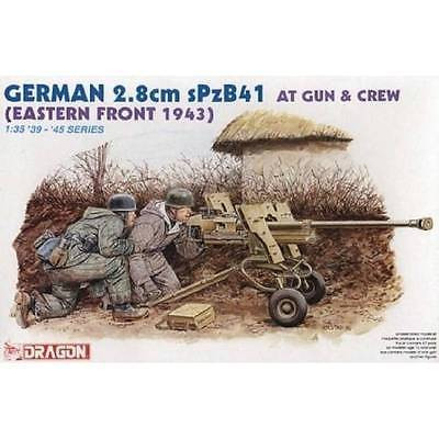 German 2.8cm anti-tank gun sPzB41 with Crew (Eastern front 1943)
