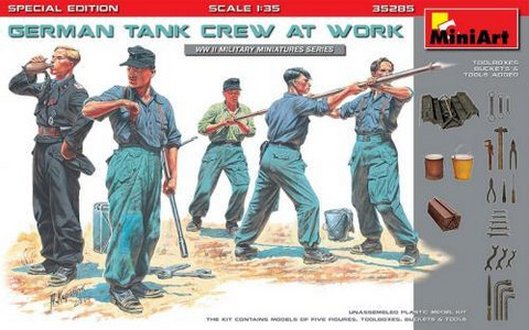 German Tank Crew at Work Special Edition 1/35