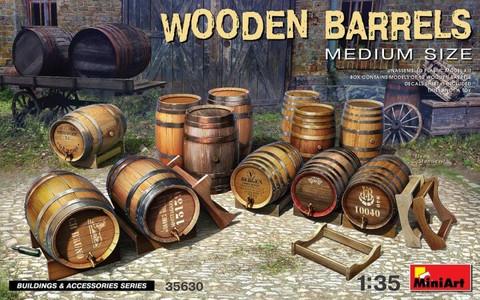 Wooden Barrels Medium Size  1/35