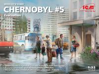 Chernobyl #5 Evacuation (4 Adults, 1 Child & Luggage)  1/35