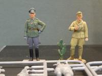German Officer & Africa Korps Tank Crewman 1/35