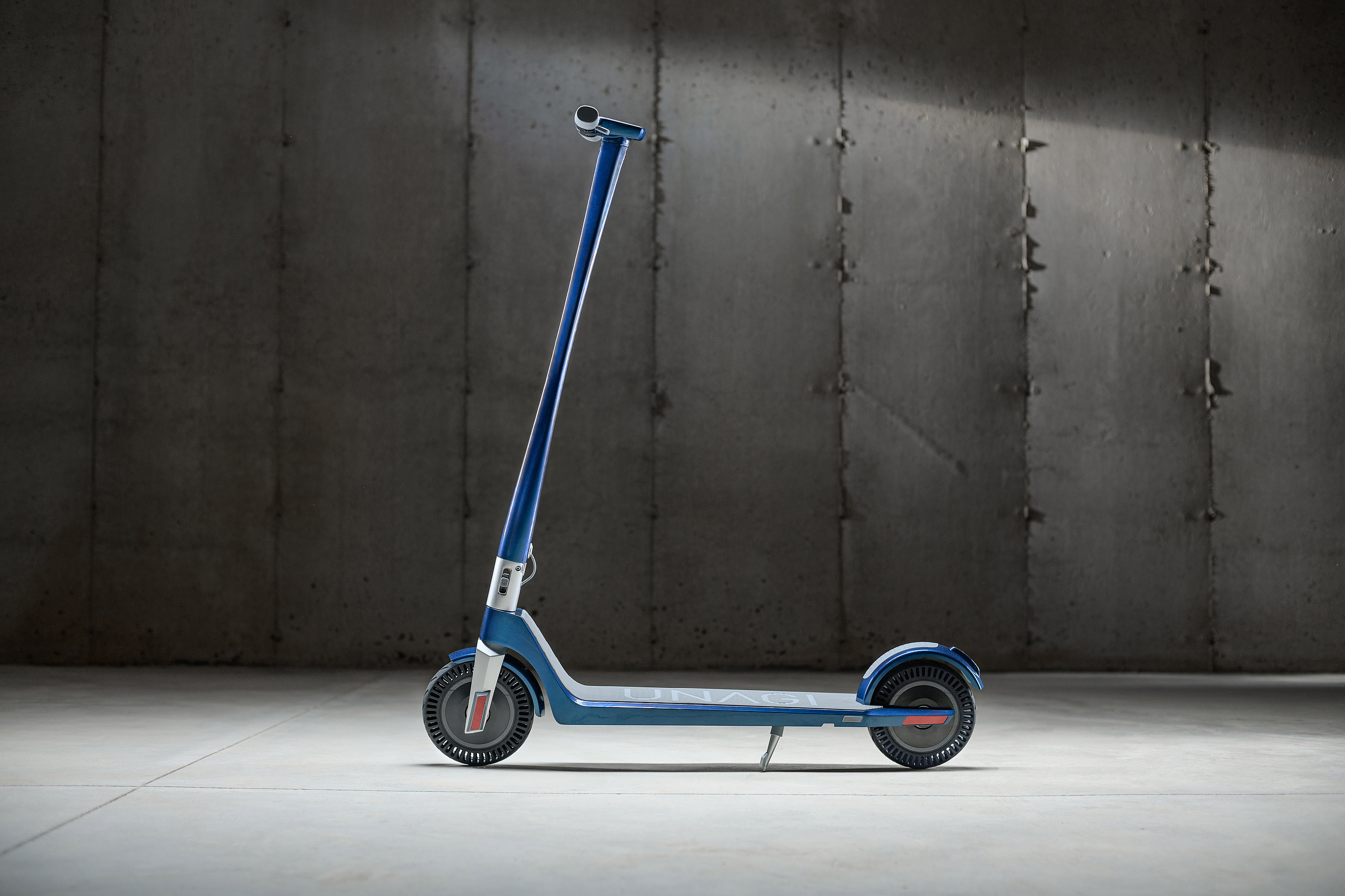 Unagi - The Model One E500 Dual Motor Electric Scooter