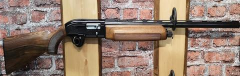 Beretta A303 12/70 sis 4 vaihtosupistajaa