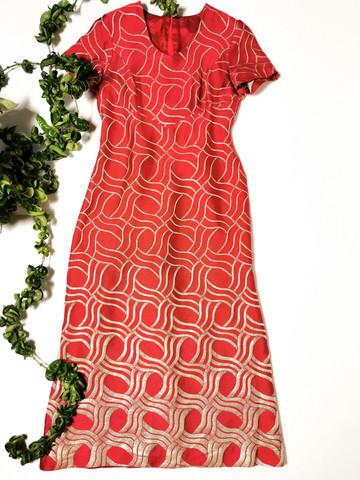 Kotimainen puna-kultainen brokadi-juhlamekko, 38