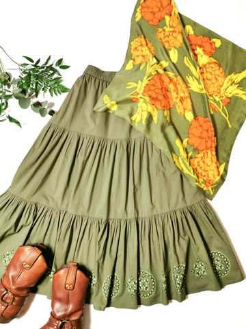 Vintage silkkihuivi samettikukka-kuviolla