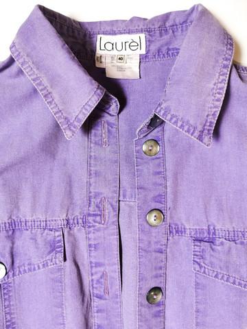 Laventelin violetti 90-luvun kulutuspesty kauluspusero