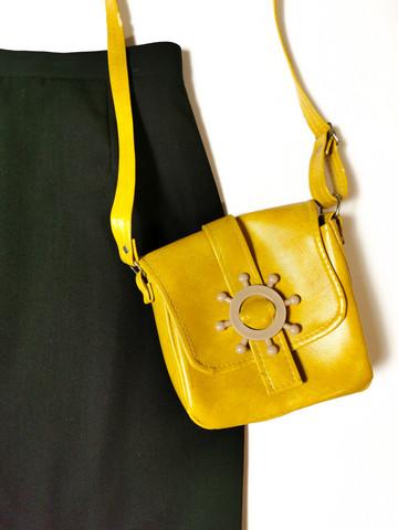 60-luvun sinapinkeltainen pikkulaukku