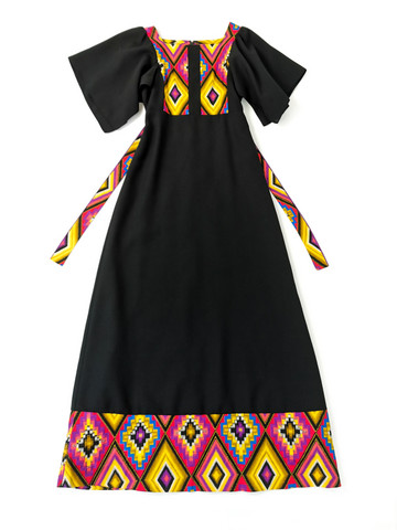 Kotimainen 70-luvun boheemi villasekoitemekko, 34