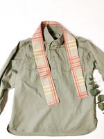 90-luvun kapea solmiohuivi ruutukuviolla