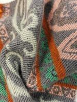 Pitkä pehmoinen villasekoitehuivi