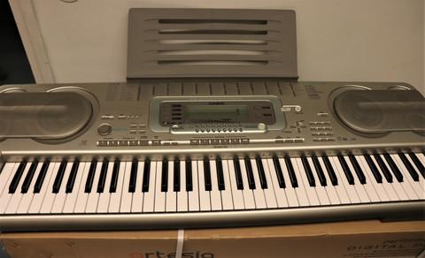 Casio WK-3300 keyboard (käytetty)