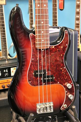 Fender American Standard Precision Bass (käytetty)