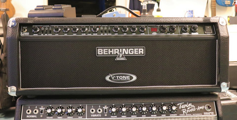 Behringer GMX1200H V-Tone (käytetty, myyntitili)