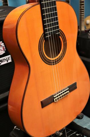 Juan Hernandez Estudio Flamenca+case (used)