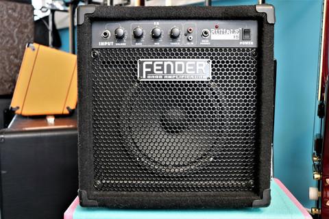 Fender Rumble 15 -bassocombo (käytetty)